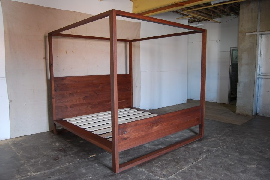 Canopy Bed3