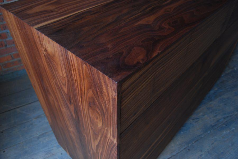 Pauker Dresser B05