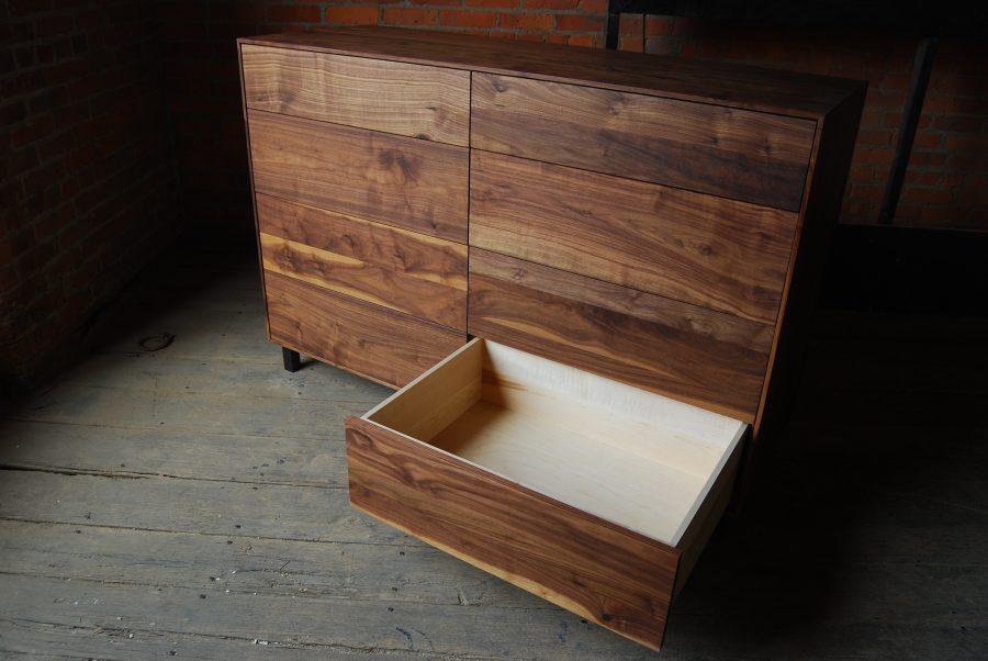 Pauker Dresser B15